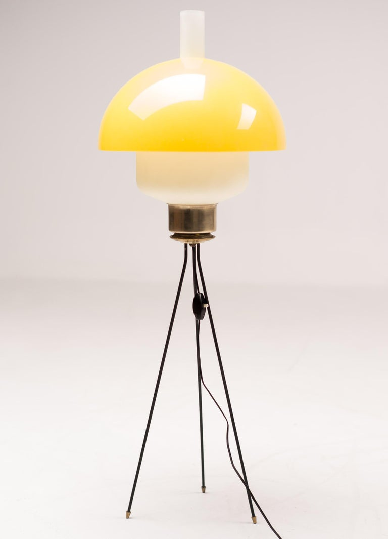 Italian Tripod Floor Light In Good Condition For Sale In Dronten, NL