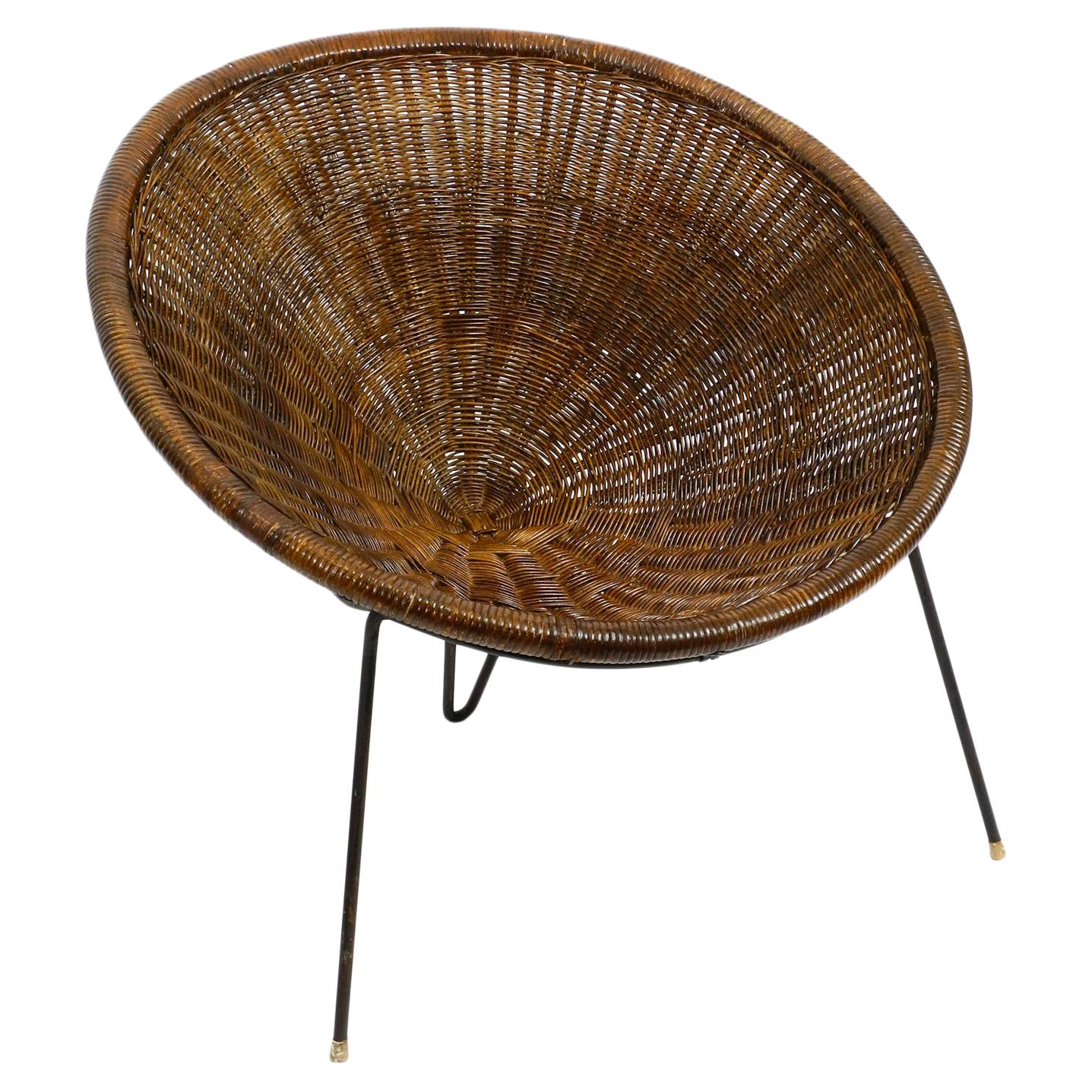 Italian Tripod Mid Century Lounge Basket Chair Made of Wicker by Roberto Mango