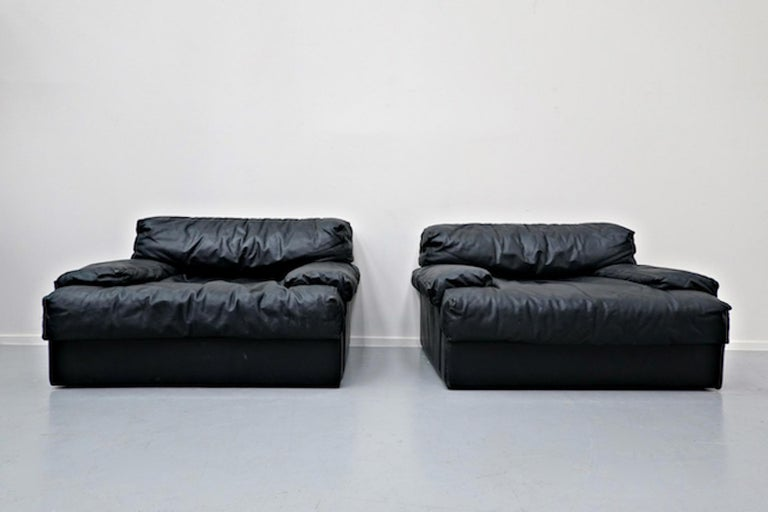 Italian Two-Seat Sofa, Leather, 1960s For Sale 5