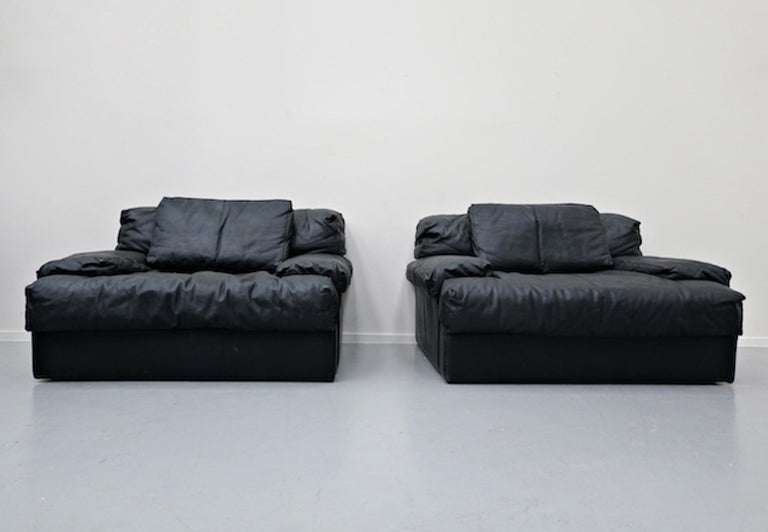 Italian Two-Seat Sofa, Leather, 1960s For Sale 8