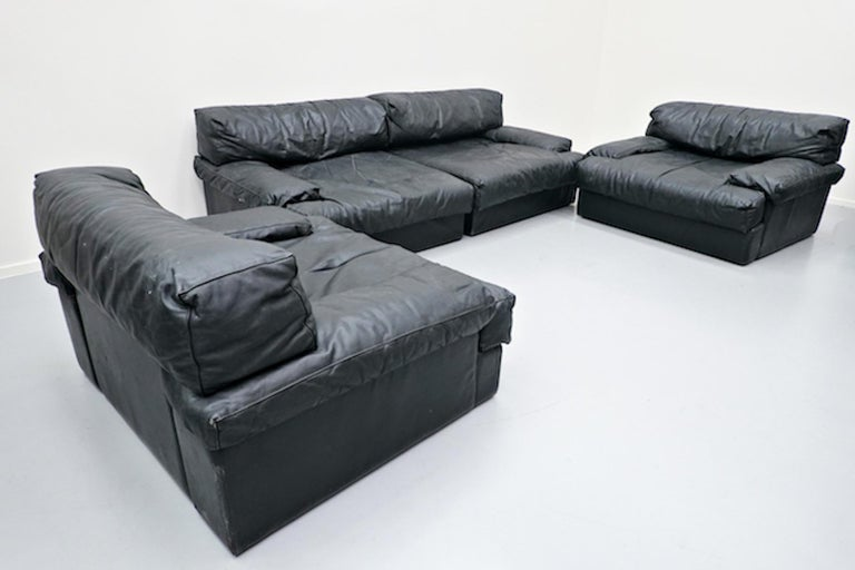 Italian Two-Seat Sofa, Leather, 1960s In Good Condition For Sale In Brussels, BE