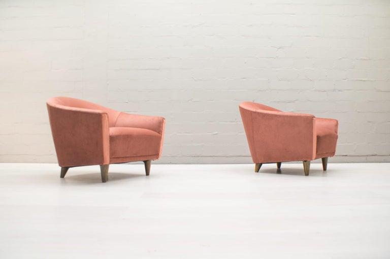 Mid-Century Modern Italian Velvet Living Room Set, 3-Seat Sofa and 2 Armchairs 1960s For Sale