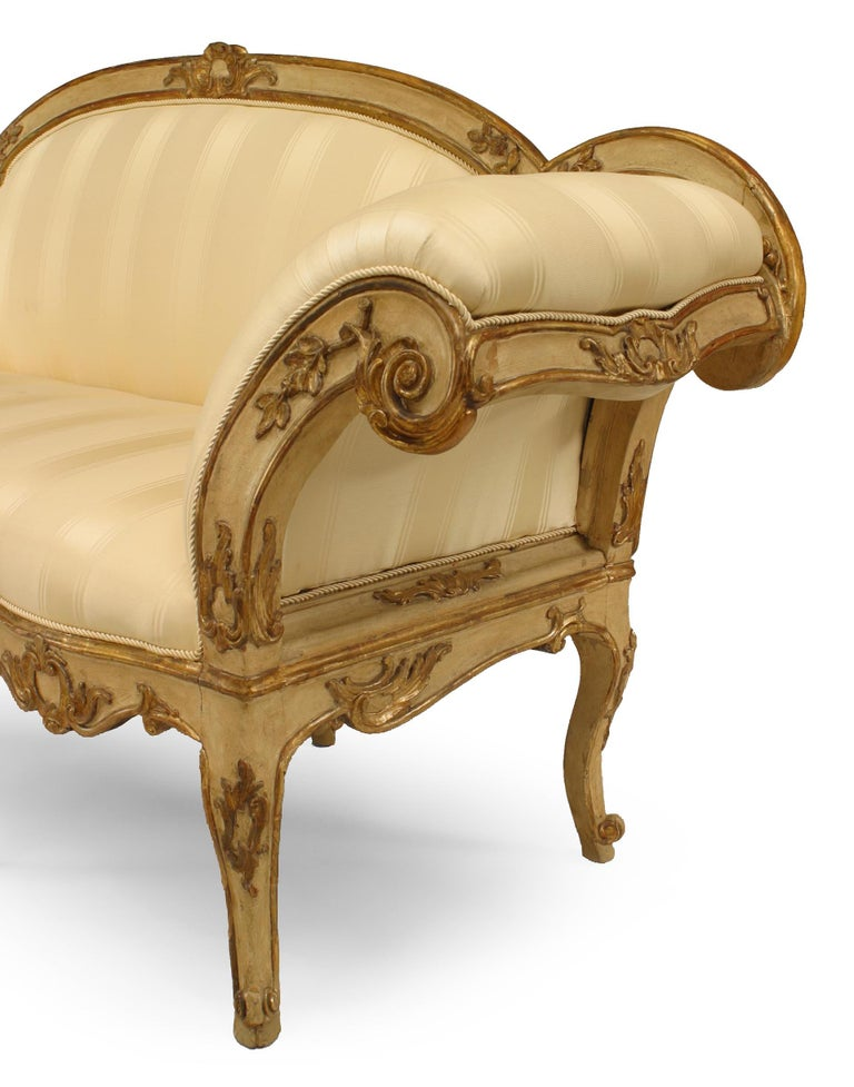 18th Century and Earlier Italian Venetian Carved Floral Settee For Sale