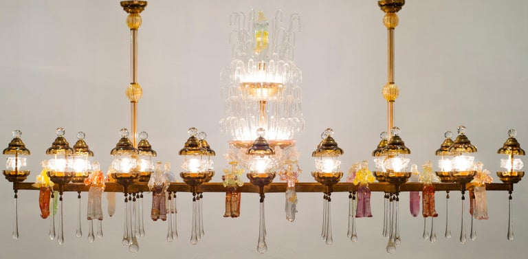 Italian Chandelier in Blown Murano Glass Colorful Statues and brass frame 1950s For Sale 12