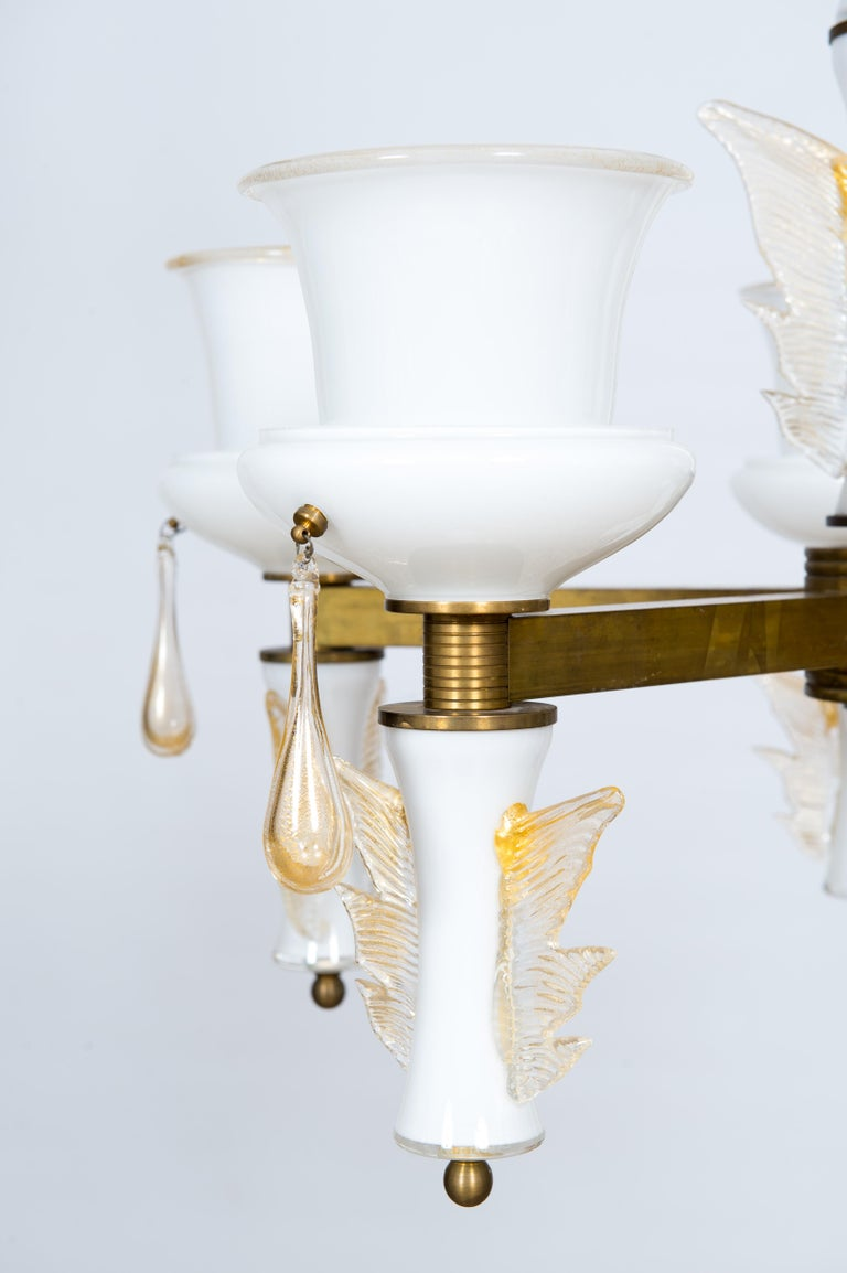 Italian Venetian, Chandelier, Blown Murano Glass, White and Brass, De Majo 1970s For Sale 2