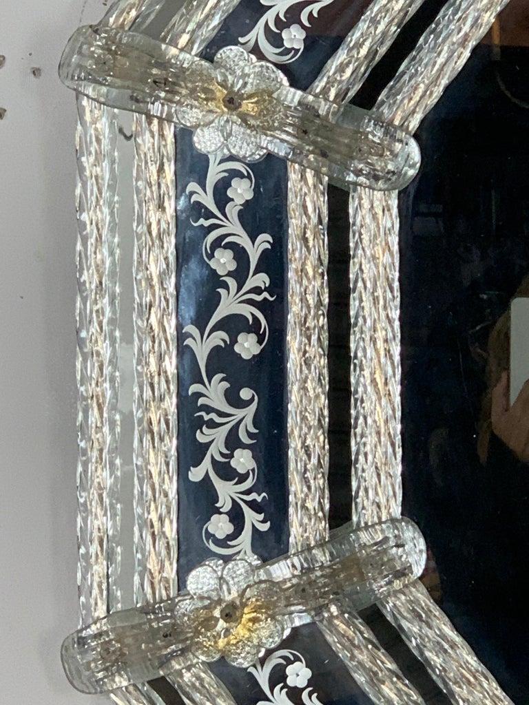 Italian Venetian Mirror, circa 1930s In Excellent Condition For Sale In Los Angeles, CA