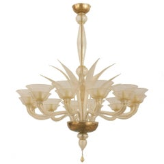 Italian Venetian Murano 1940s Gold Dusted Glass Chandelier with 12 Arms