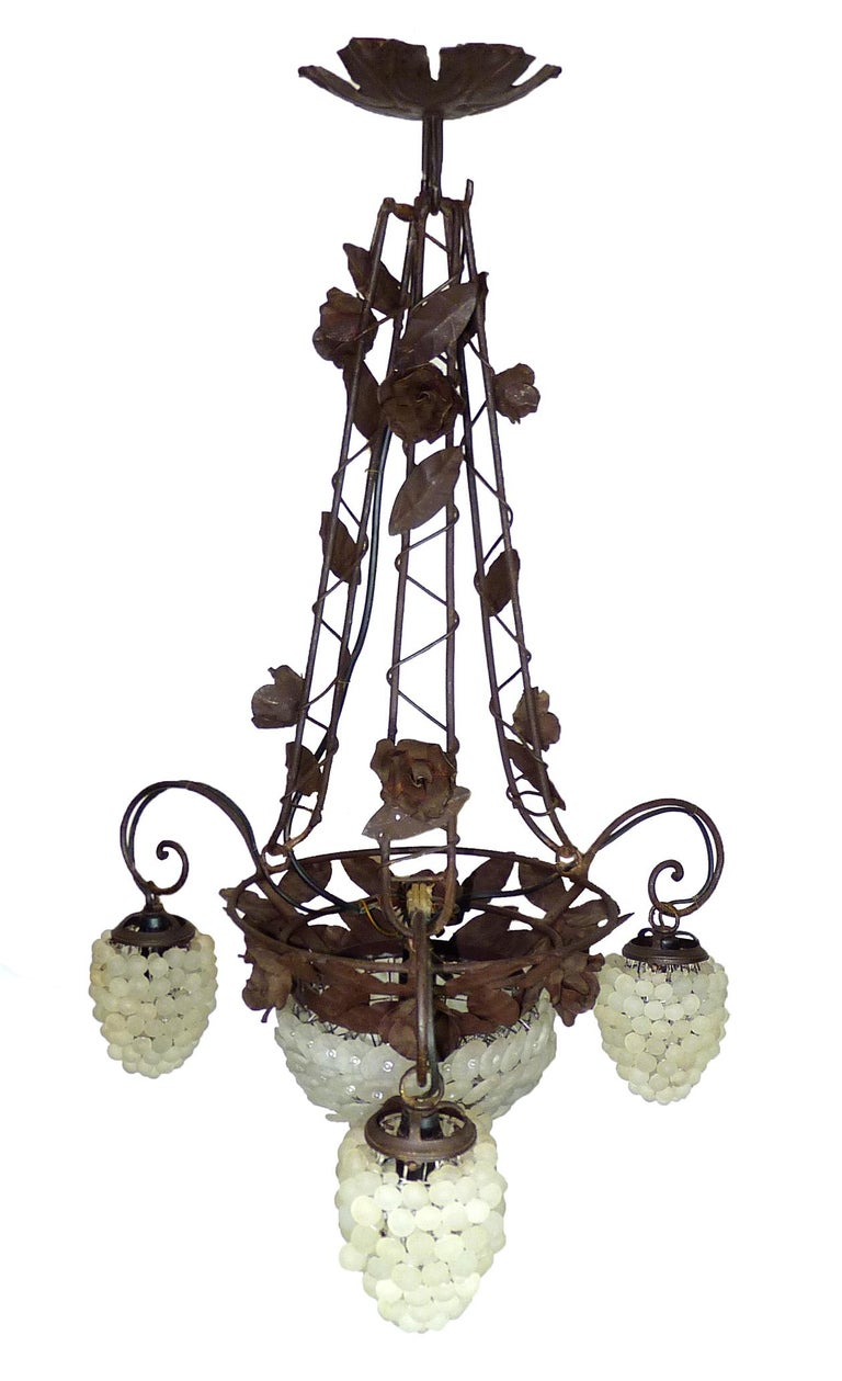 Art Nouveau Italian Venetian Murano Art Deco White Grapes and Forged Iron Leaves Chandelier For Sale