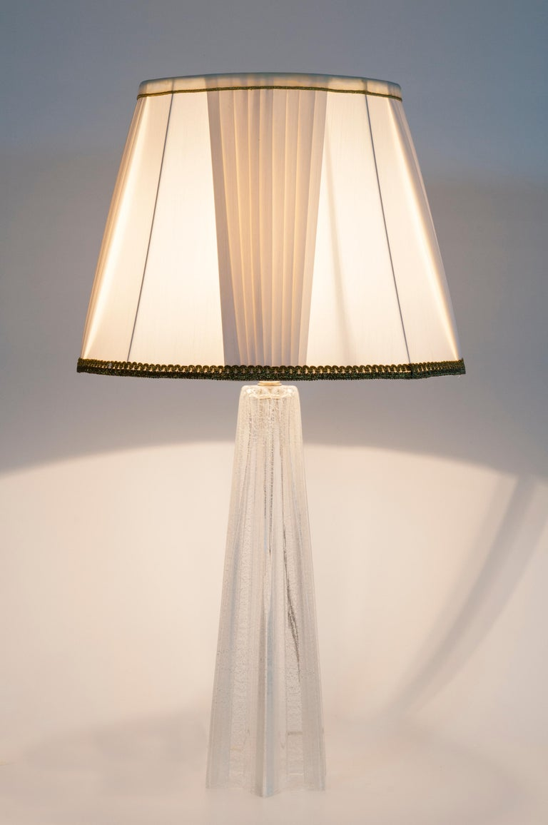 Mid-Century Modern Pair of Table Lamps in Blown Murano Glass clear color and Silver finishes, 1980s For Sale