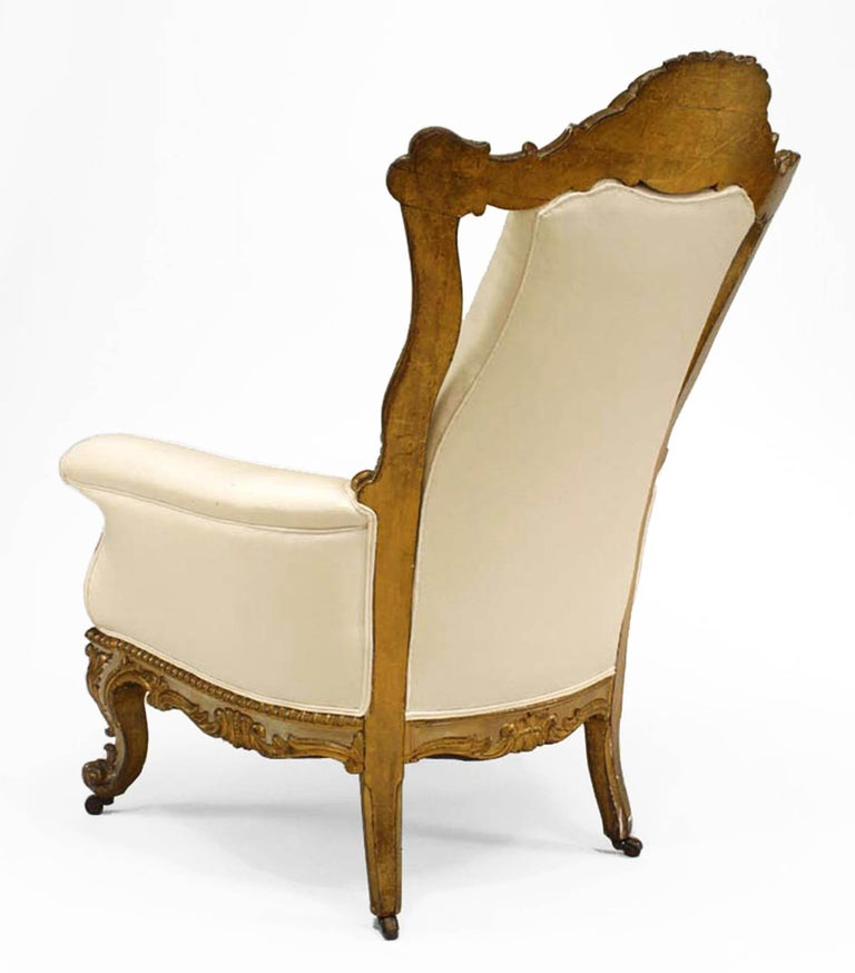 Italian Venetian Style Painted and Carved High Back Bergère In Good Condition For Sale In New York, NY