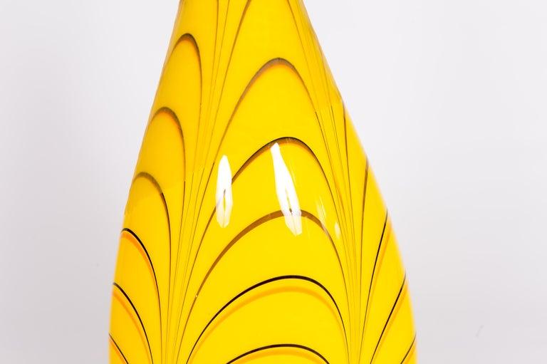 Art Deco Italian Table Lamp in Blown Murano Glass Yellow and dark orange stripes, 1990s For Sale