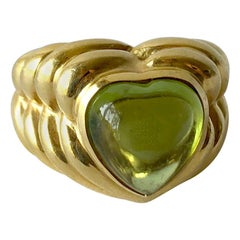 Italian Vesco 18 Karat Gold Peridot Heart Love Ring