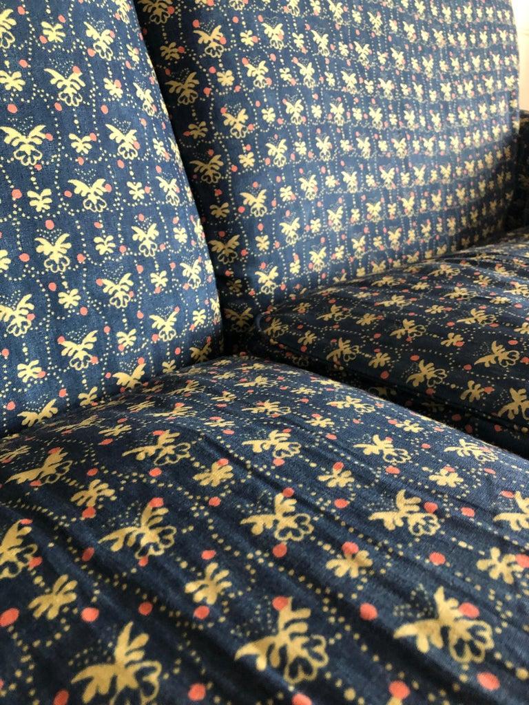 Italian Vigo Magistretti Two-Seat Sofa Designed in 1988 in Customized Textile For Sale 6