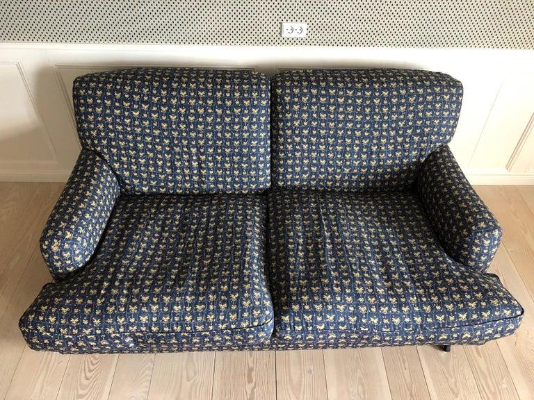 Italian Vigo Magistretti Two-Seat Sofa Designed in 1988 in Customized Textile In Good Condition For Sale In Copenhagen K, DK