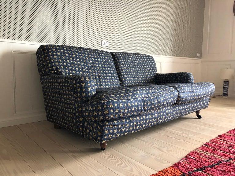 Contemporary Italian Vigo Magistretti Two-Seat Sofa Designed in 1988 in Customized Textile For Sale