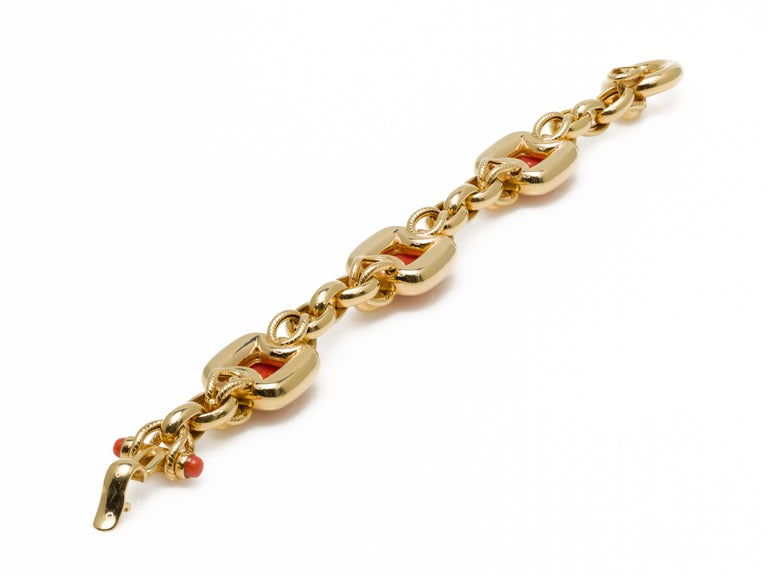 Italian 1970s Natural Mediterranean Cabochon Coral Bracelet in 18 Karat Gold For Sale 8
