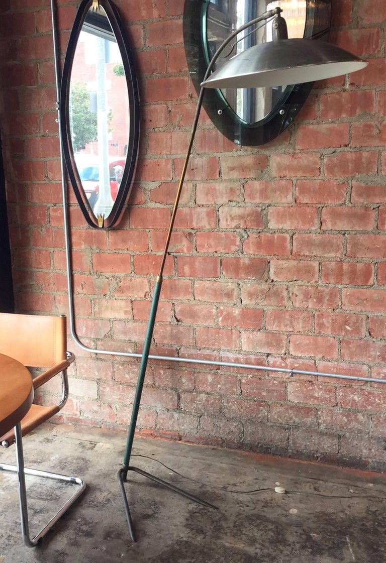 Italian vintage one-arm floor lamp attributed to Gino Sarfatti, 1950s Elegant, subtle and essential shape. Equipped with a large metal head, adjustable, this light provides a beautiful and bright light.  The shade is adjustable as well, so this