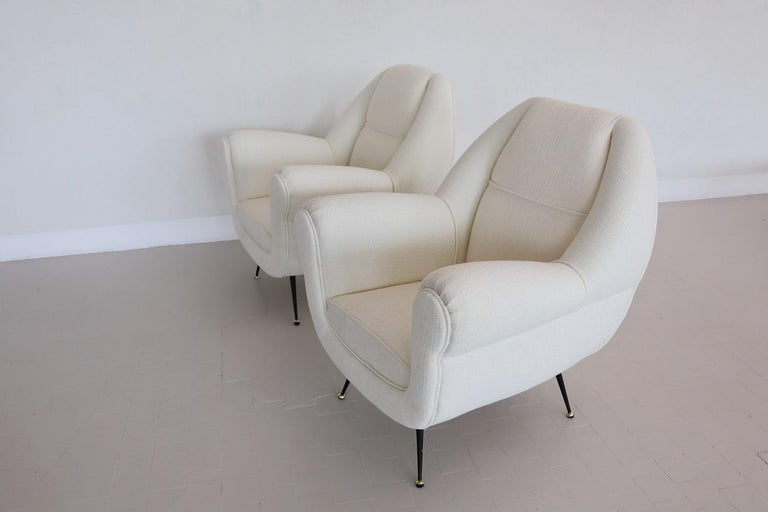 Mid-20th Century Italian Midcentury Armchairs in White Upholstery and Brass Stiletto Feet, 1960s For Sale