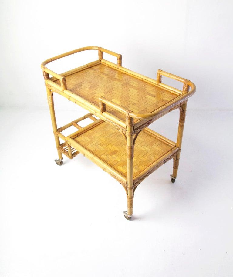 Italian Vintage Bamboo Rattan Bar Cart In Good Condition For Sale In Albano Laziale, Rome/Lazio