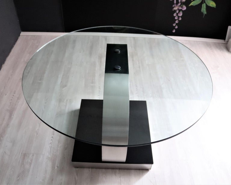 Late 20th Century Italian Vintage Dining Table in Stainless Steel and Crystal Glass, 1970s For Sale