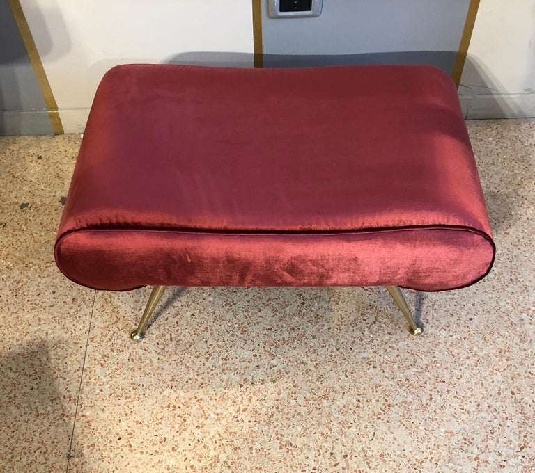 Italian Vintage Magenta Velvet Brass Legs Stool or Bench, 1950s In Excellent Condition For Sale In Milano, IT