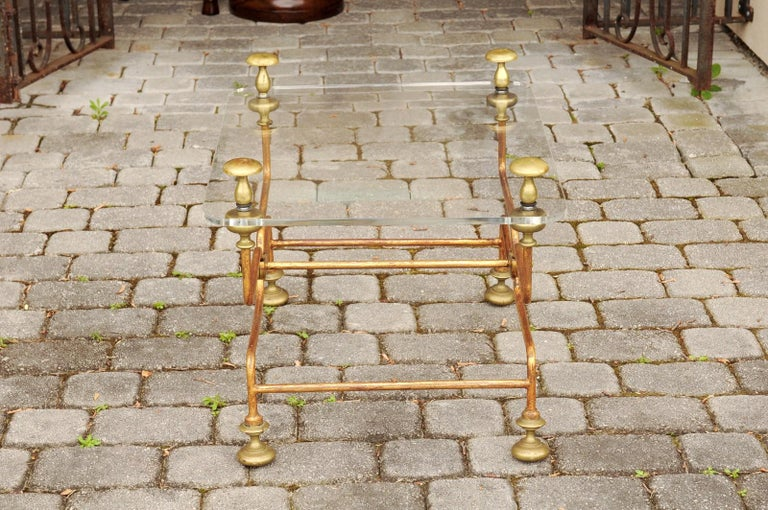 Italian Vintage Midcentury Brass Cocktail Table with Lucite Top and Looping Base For Sale 10