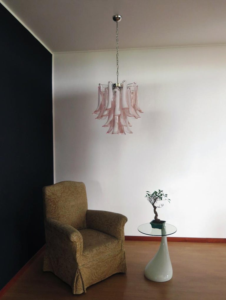 Mid-Century Modern Italian Vintage Murano Chandelier, 26 Pink Glass Petals For Sale