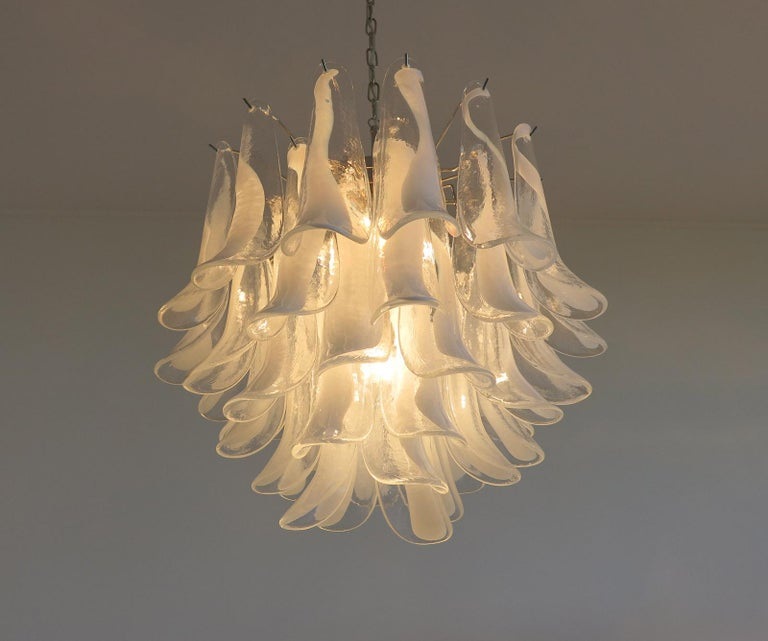 Late 20th Century Italian Vintage Murano Chandelier in the Manner of Mazzega, 41 Glass Petals