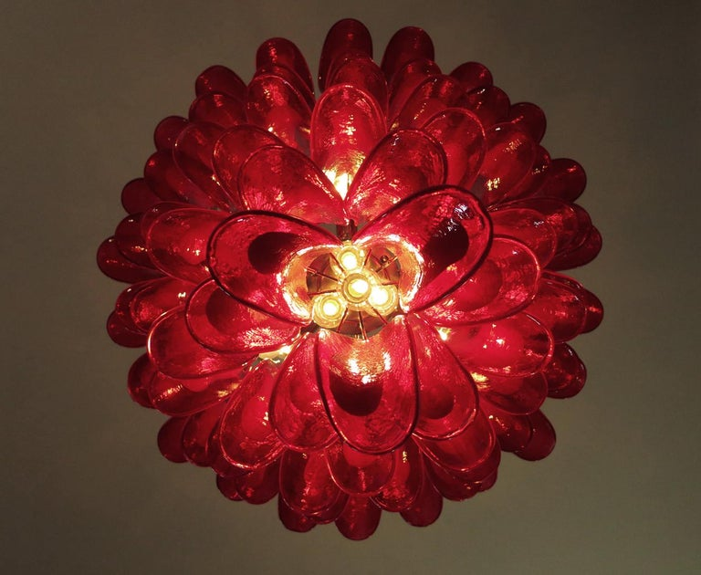 Italian vintage Murano chandelier in the manner of Mazzega - 75 red glass petals 3