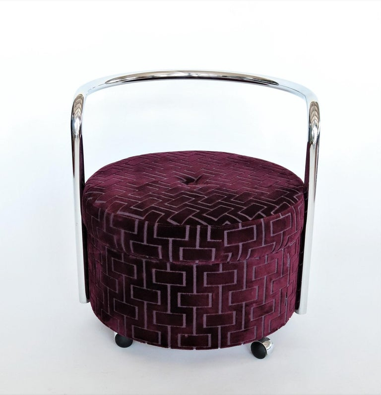 Mid-Century Modern Italian Vintage Rolling Chrome Ottoman or Pouf in Purple Velvet, 1970s For Sale