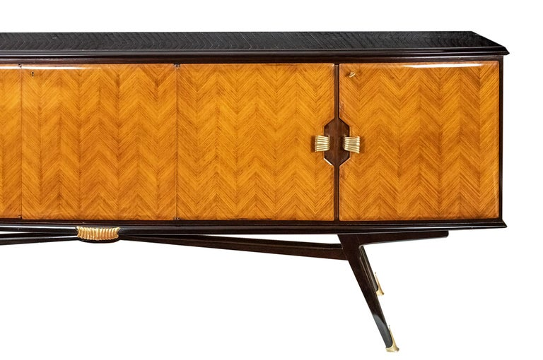Italian Vintage Sideboard by Consorzio Esposizmobili Cantu In Good Condition For Sale In Vilnius, LT