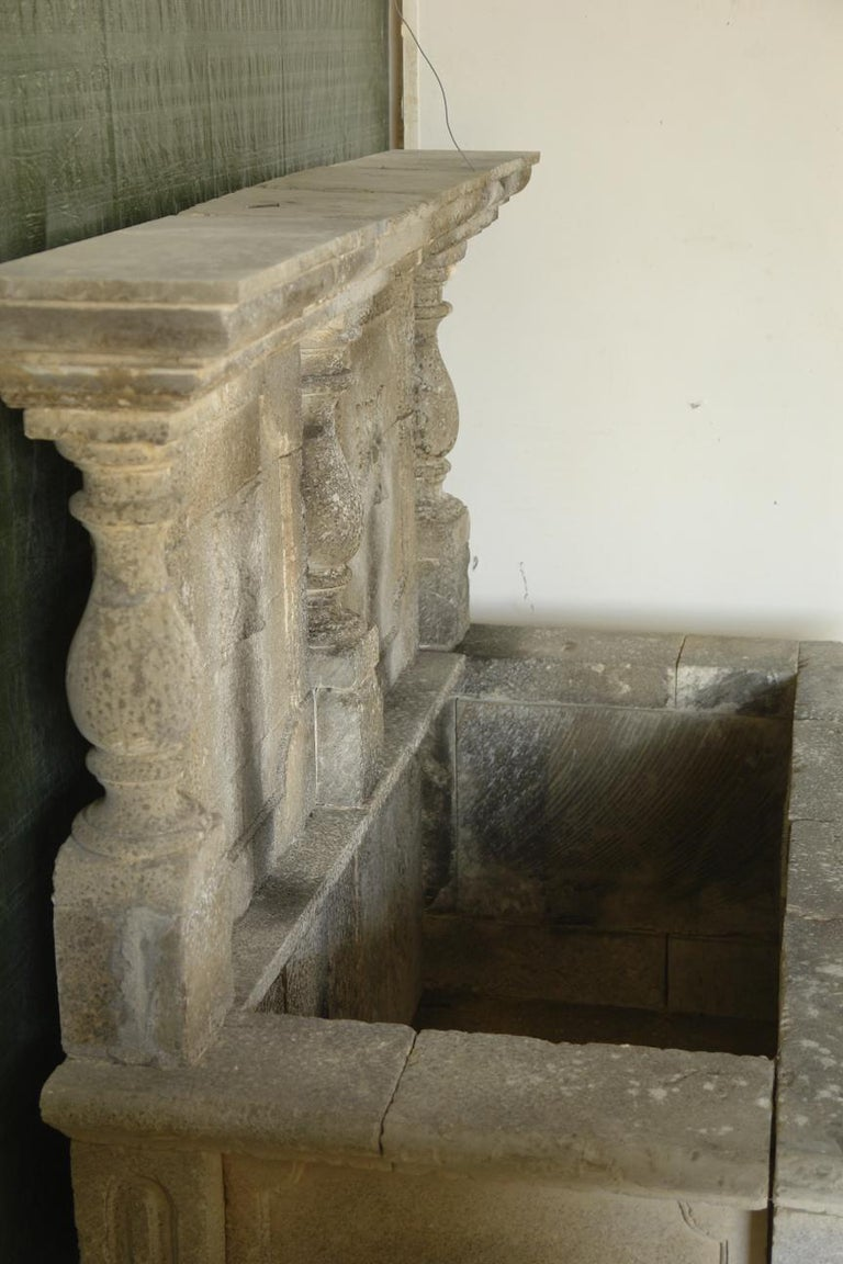 Italian Wall Fountain 3 Columns Handcrafted Limestone, Late 20th Century, Italy For Sale 4
