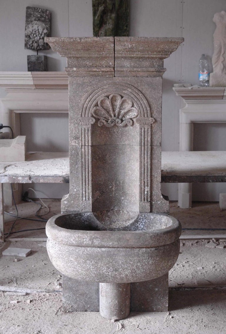 Italian Wall Fountain Handcrafted Limestone, 21st Century For Sale 3