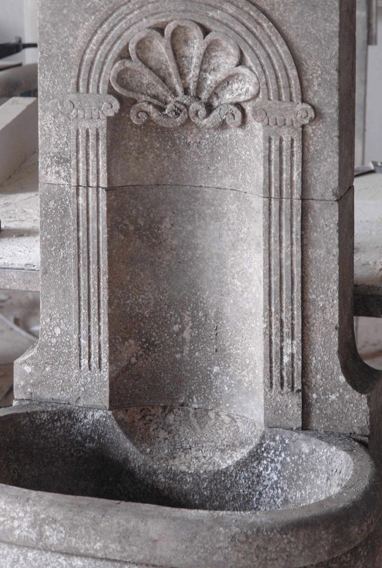 Italian Wall Fountain Handcrafted Limestone, 21st Century In Excellent Condition For Sale In LOS ANGELES, CA