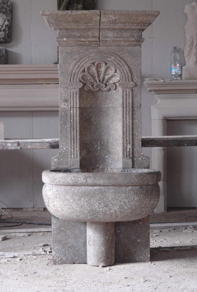 Italian Wall Fountain Handcrafted Limestone, 21st Century For Sale 1