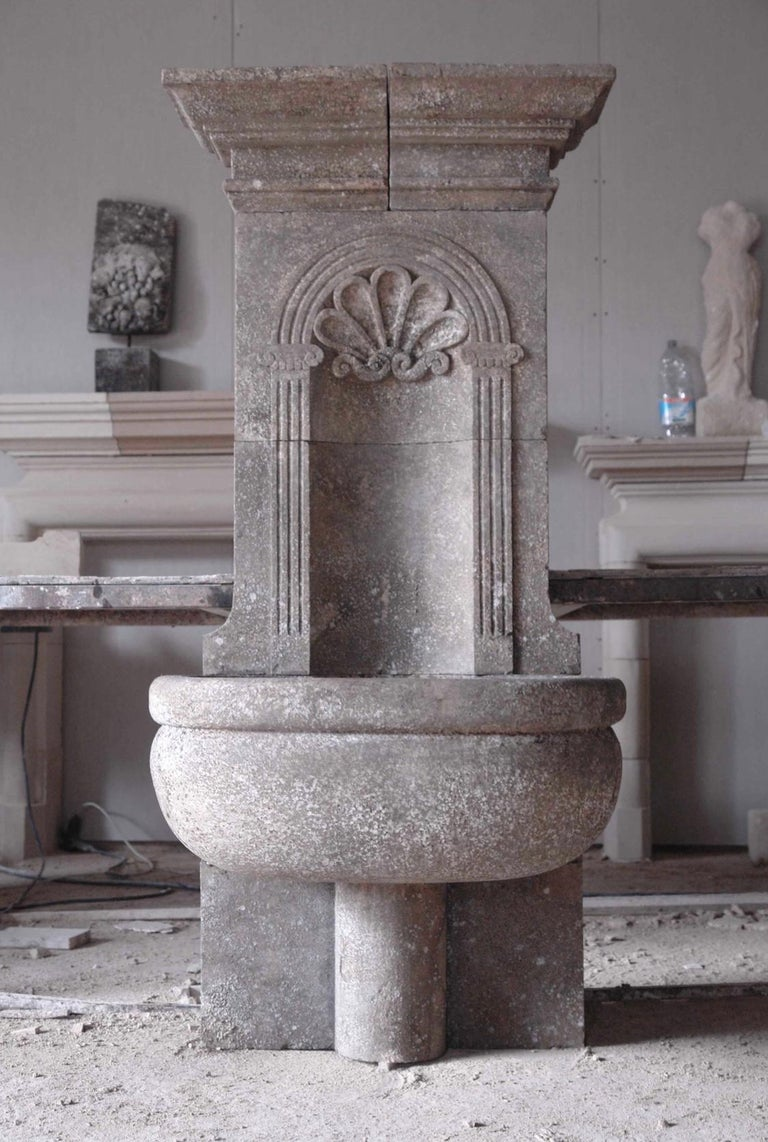 Italian Wall Fountain Handcrafted Limestone, 21st Century For Sale 2
