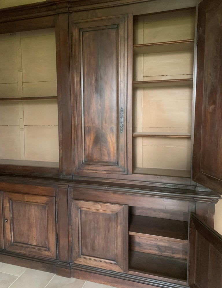 Italian Walnut 18th Century Library Bookcase Panneling For Sale 5