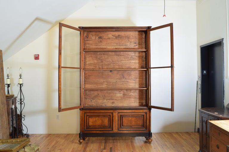 English Italian Walnut and Ebonized Tall 2-Piece Bookcase Cabinet, Mid-19th Century For Sale