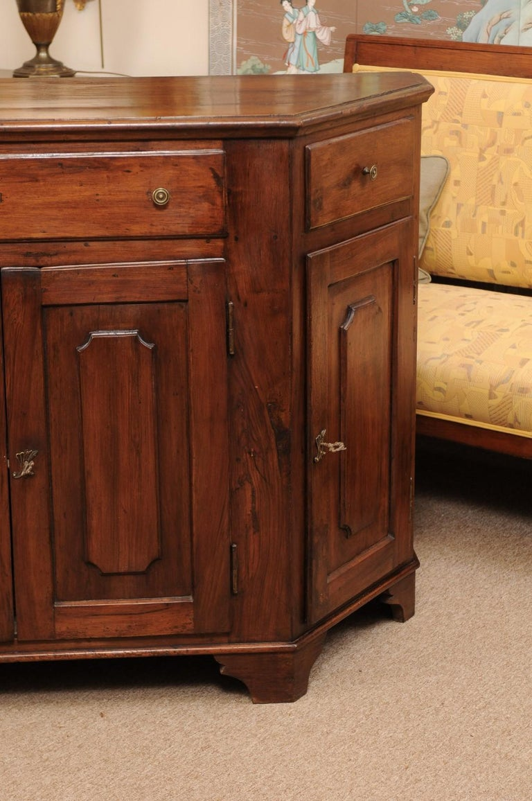 Italian Walnut Canted Crendenza, Early 19th Century For Sale 17