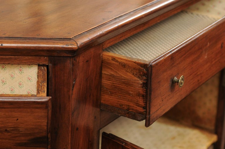 Italian Walnut Canted Crendenza, Early 19th Century In Good Condition For Sale In Atlanta, GA