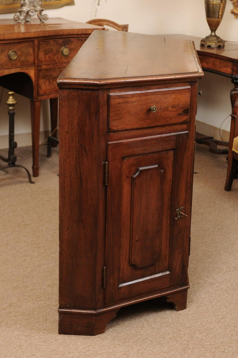 Italian Walnut Canted Crendenza, Early 19th Century For Sale 5