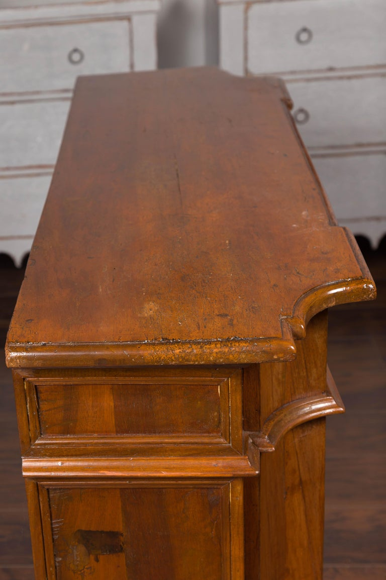 Italian Walnut Credenza with Drawers over Doors and Curving Sides, circa 1860 1