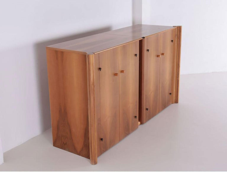Post-Modern Italian Walnut Scuderia Horizontal Sideboard by Carlo Scarpa for Bernini For Sale