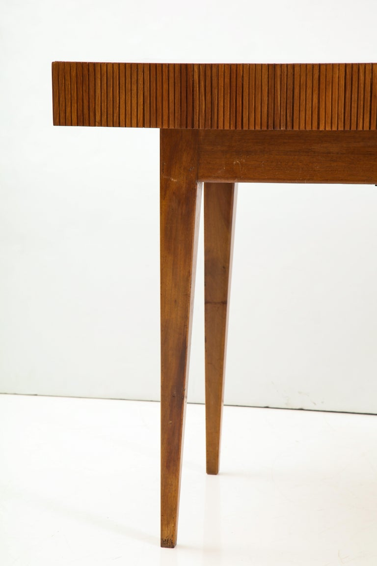 Italienischer Walnussholz Tisch mit Schublade und Konischen Beinen, Stil von Gio Ponti 12