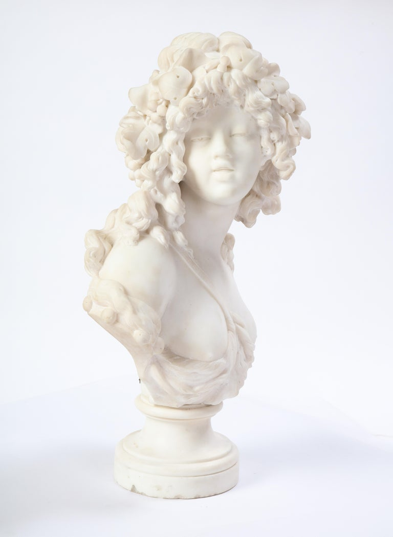 Italian White Marble Bust of a Bacchante, French School, 1830 In Good Condition For Sale In New York, NY