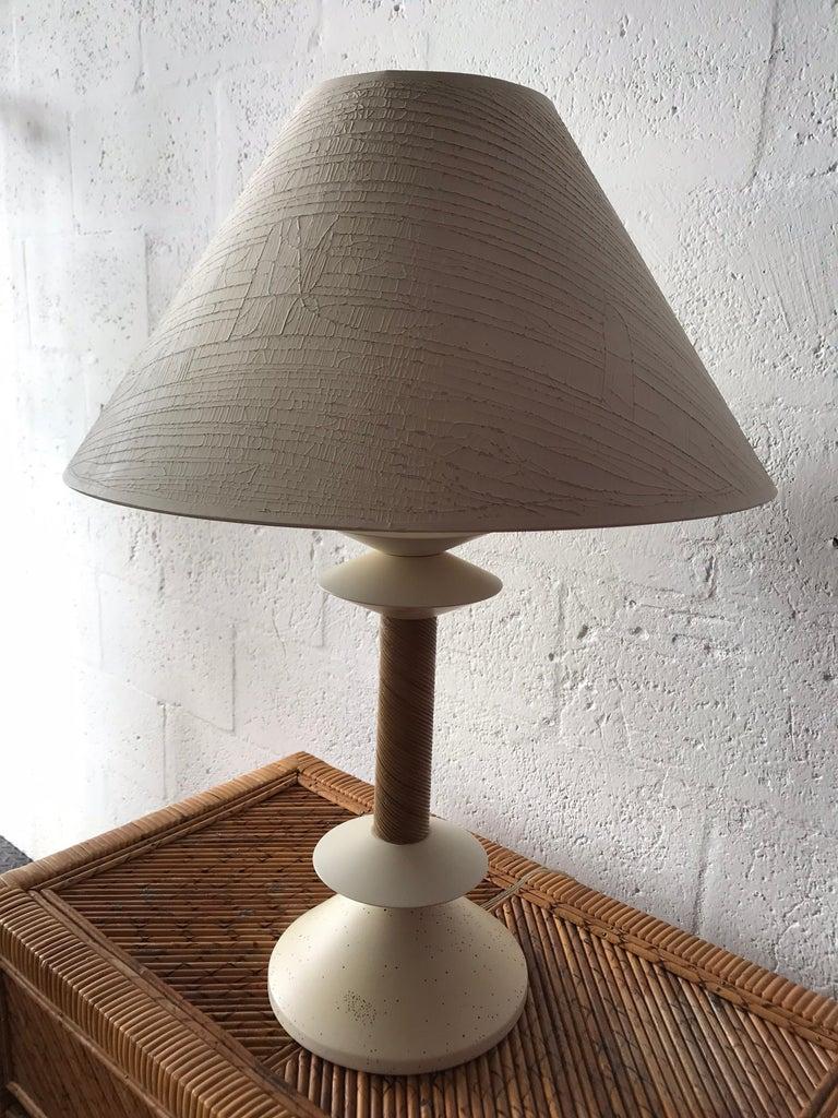 Mid-Century Modern Italian White Rattan Reed Wicker Table Lamp For Sale
