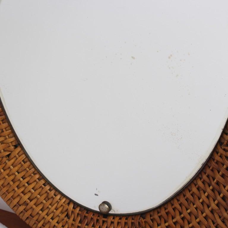 Italian Wicker Rattan Oval-Shaped Wall Mirror, circa 1960s For Sale 4