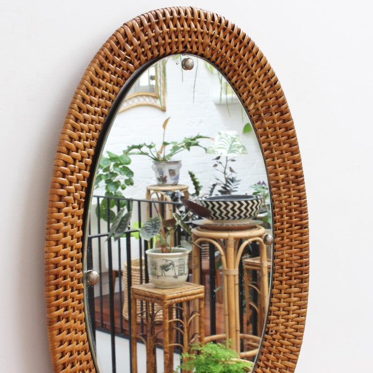 Italian Wicker Rattan Oval-Shaped Wall Mirror, circa 1960s In Good Condition For Sale In London, GB