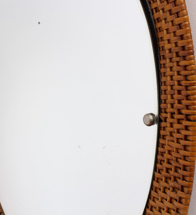 Italian Wicker Rattan Oval-Shaped Wall Mirror, circa 1960s For Sale 2