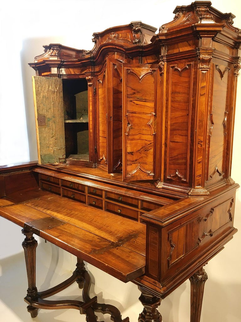 Italian Writing Desk with Upper Cabinet, Milan, circa 1730 For Sale 6